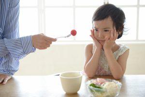 身体にいい!美味しいのに、子供が食事に文句を言う!怒る?脅す?悲しむ?子供が笑顔で食べる方法とは!