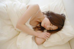 あなたはどんな姿勢で寝ていますか?それ身体からのサインですよ!