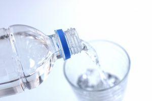 ダイエットに効果的な水の飲み方!